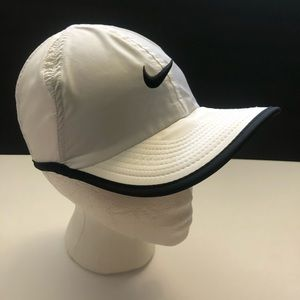 Nike Dri-Fit White Black Swoosh Featherlight Hat